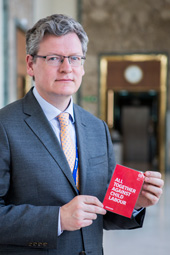 László Andor - 11/06/2014 - Commissioner Andor joins ILO Red Card to Child Labour campaign