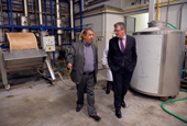 Imrich Veszprémi, Director of K.K.V. - Union, on the left, giving a tour of the factory to László Andor - 29/09/2014 - Visit to ESF project in Slovakia