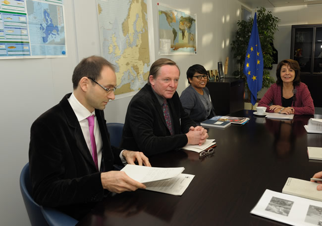 Maria Damanaki, Member of the EC in charge of Maritime Affairs and Fisheries receives Tony Long, Director of the WWF European Policy Office (World Wide Fund for Nature)