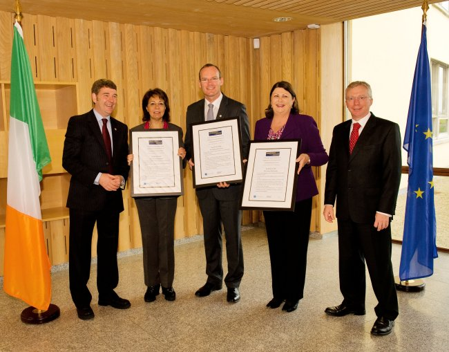Commissioner Maria Damanaki, Minister Coveney and Commissioner Maire Geoghegan-Quinn presented with Declaration