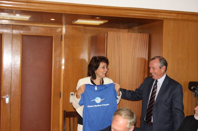 Commissioner Damanaki meets with representatives from the French Maritime Cluster (Paris)