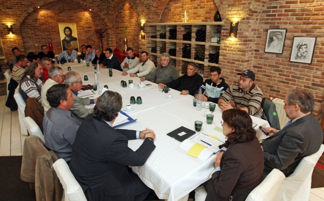 Commissioner Maria Damanaki meets representatives of the Small scale fishermen union of Northern Greece and the President of the Restaurant owners association