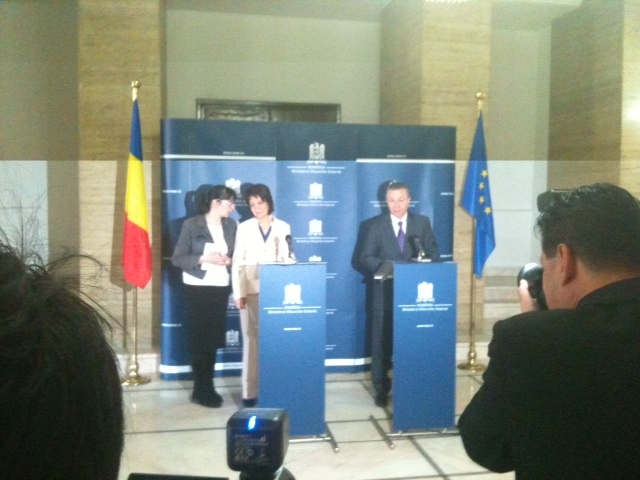 Press conference with Mr Cristian Diaconescu, Romanian Minister of Foreign Affairs (Bucharest)