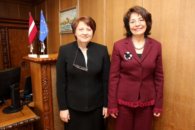 Commissioner Maria Damanaki meets with Ms Laimdota Straujuma, Latvian Minister of Agriculture, in Riga