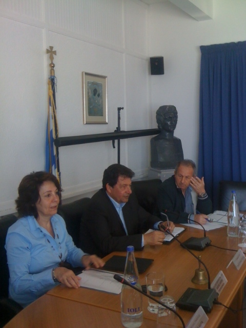 Commissioner Damanaki meets local Authorities and Fishermen Associations in Paros (Cyclades, Greece) about measures against overfishing