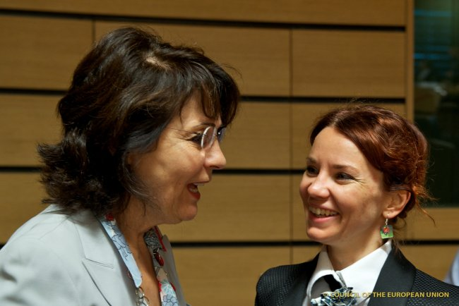 Commissioner Maria DAMANAKI with Ms. Keit PENTUS, Estonian Minister for the Environment