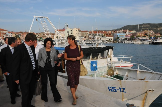Commissioner Damanaki visited, with the minister for agriculture and environment Mr. Franc Bogovič, the port of Izola