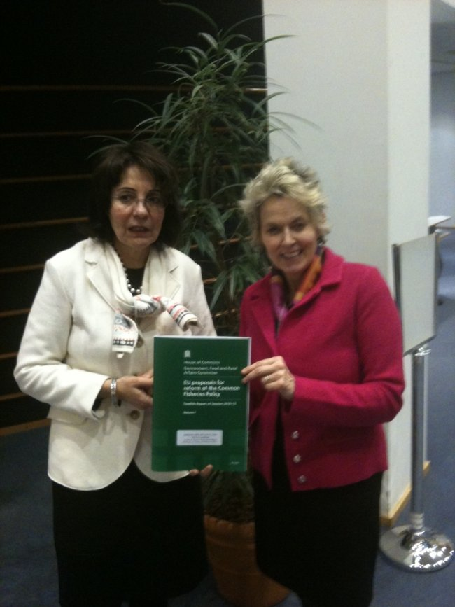 Commissioner Maria Damanaki with Anne McIntosh MP, Chair of the Environment, Food and Rural Affairs Select Committee of the UK House of Commons