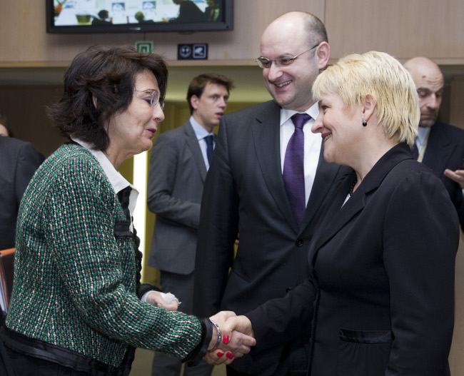Commissioner Maria DAMANAKI with Ms. Ana Lucia VARGA, Romanian Minister of Water, Forestry and Rural Development