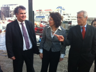 Commissioner Damanaki and Mr Manuel António Correia, Madeira Regional Secretary of Environment and Natural Resources, Responsible for Fisheries, at the Funchal port
