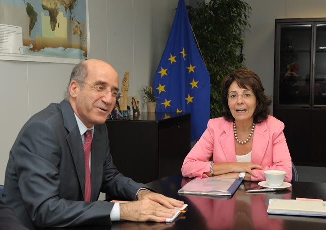 12/07/2010:  Maria Damanaki receives Demetris Eliades, Cypriot Minister for Agriculture, Natural Resources and Environment