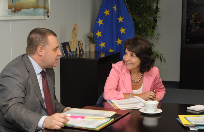 12/07/2010: Maria Damanaki receives Miroslav Naydenov, Bulgarian Minister for Minister of Agriculture and Food