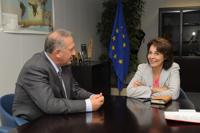 Maria Damanaki, Member of the EC in charge of Maritime Affairs and Fisheries receives Kostas Skandalidis, Greek Minister for Rural Development and Food