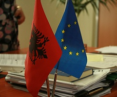Albania: Commissioner congratulates the winner of the elections