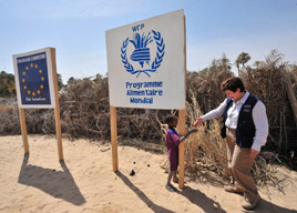 Commissioner Georgieva visiting a joint EU-WFP project in Chad © EU