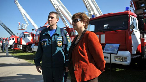 Kristalina Georgieva, on the right, visiting the EMERCOM's Noginsk Rescue Training Center