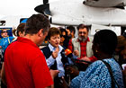 Commissioner Georgieva talking to journalists in Dadaab, Kenya © EU