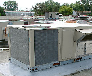 Rooftop packaged air-conditioning and heating unit (c) Public Domain (P199)