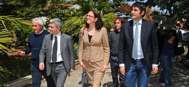 Nichi Vendola, President of the Apulia Region, 2nd on the left, and Cecilia Malmström in the middle. Photo: European Union
