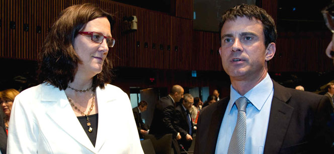 Commissioner Malmström and French Minister Manuel Valls at the meeting. Photo: European Council