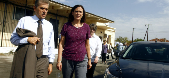 With Panayotis Carvounis, Head of the EC Representation in Greece, at the Venna detention centre. Photo: EbS