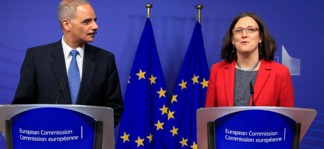 US Attorney General Eric Holder and EU Commissioner Cecilia Malmström at Wednesday's press conference in Brussels. Photo: European Union