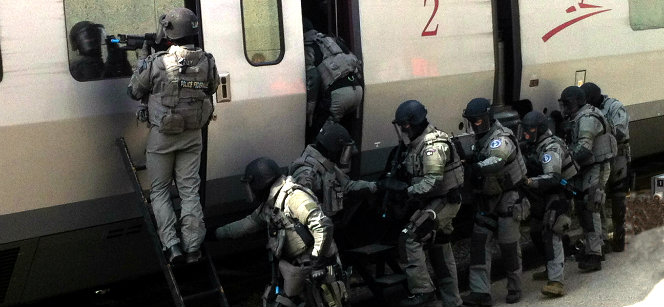 Belgian Federal Police storming a train at the Midi station in Brussels, as part of the ATLAS anti-terrorism exercise on 17 April. Photo: Joakim Larsson