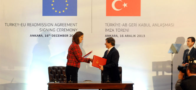 Commissioner Cecilia Malmström and Turkish Foreign Minister Ahmet Davutoğlu at the ceremony in Ankara.