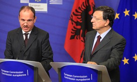 Mr Nishani and Mr Barroso (c) EU