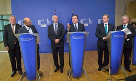 Eamon Gilmore, Enda Kenny, José Manuel Barroso, Janusz Lewandowski, Martin Schulz and Alain Lamassoure, Member of the EP (from right to left)