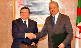 José Manuel Barroso, on the left, and Prime Minister, Abdelmalek Sellal