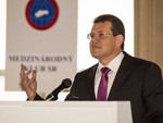Vice-President M. Šefčovič is speaking about the future of Euro Area.