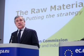 02/02/11 - Joint press conference by Antonio Tajani, Michel Barnier and Dacian Ciolos on the communication on commodity markets and raw materials