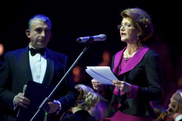 Latvia actor Gundars Abolins (l) and Androulla Vassiliou (r)