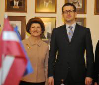 Androulla Vassiliou (l) and Latvian Mininister of Education, Vjaceslavs Dombrovskis (r)