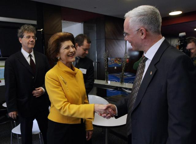 Handshake between Zoltán Balog, Hungarian Minister for Human Resources and Androulla Vassiliou