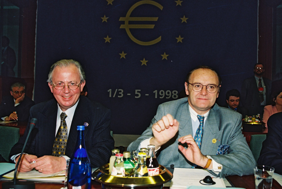 Heads of State and Government meeting on the euro
