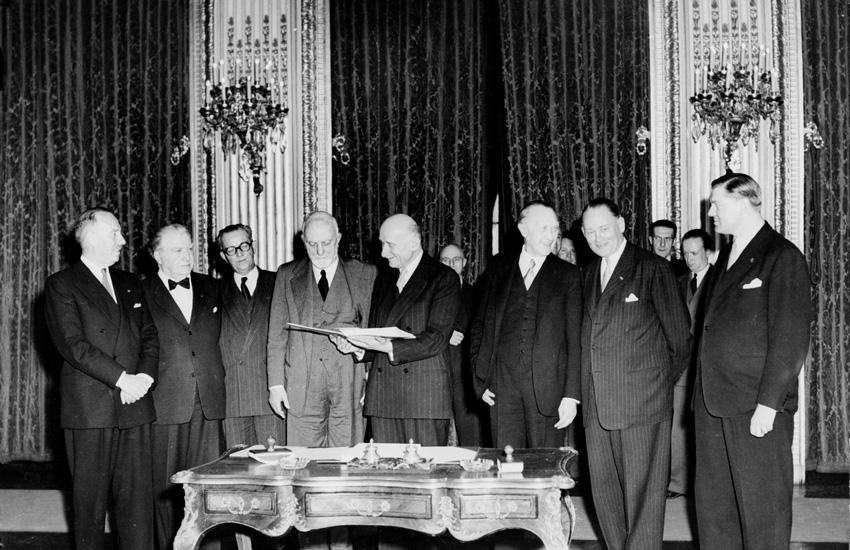 Signature of the Treaty of Paris
