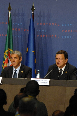 Participation of José Manuel Barroso, President of the EC, at the informal Social Tripartite Summit