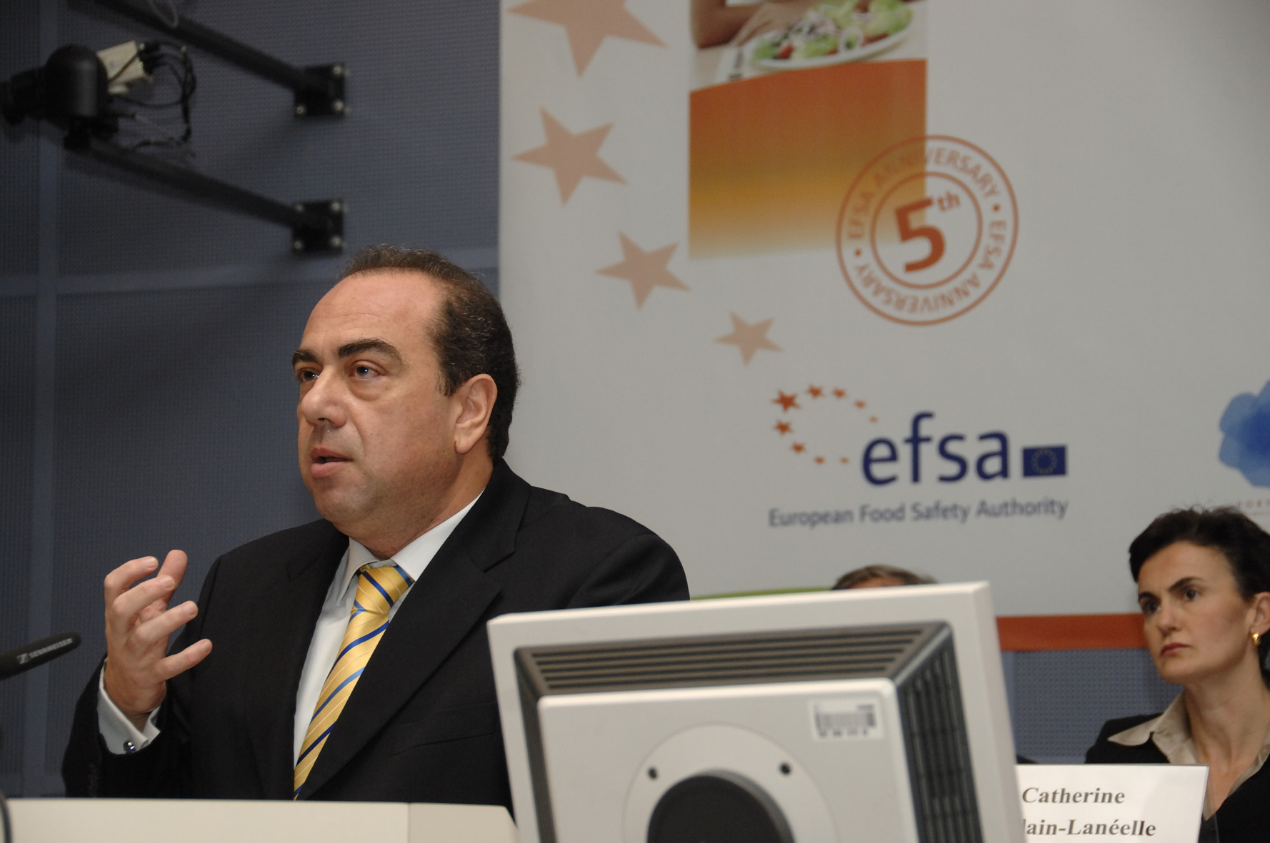 Scientific Forum of the European Food Safety Authority From safe food to healthy diets