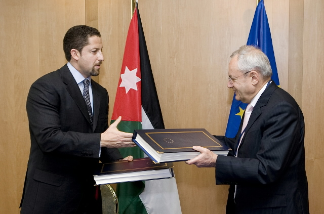 Signature d'un accord entre l'UE et la Jordanie dans le secteur de l'aviation