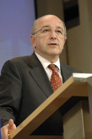 Press conference by Joaquín Almunia, Member of the EC, on the