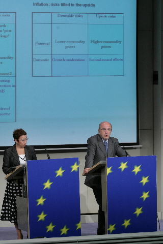 Press conference by Joaquín Almunia, Member of the EC, on the economic forecasting
