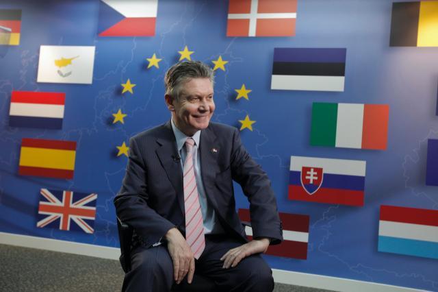 Visit of Karel De Gucht, Member of the EC, to Singapore