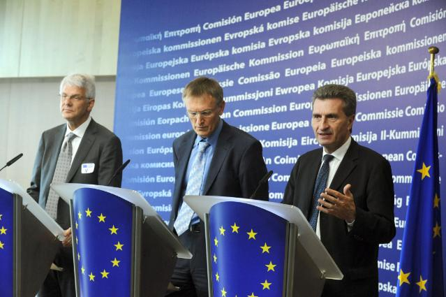 Joint press conference by Günther Oettinger, Janez Potočnik and Michael Engell-Jensen, after the meeting with the industry on oil platforms