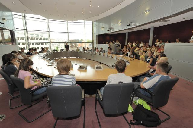 Visit of a group of young people called Roza dla Powiodzian to the EC