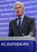 Conférence de presse de Michel Barnier, membre de la CE, sur le renforcement des sanctions en cas d'infraction aux règles de l'UE sur les services financiers