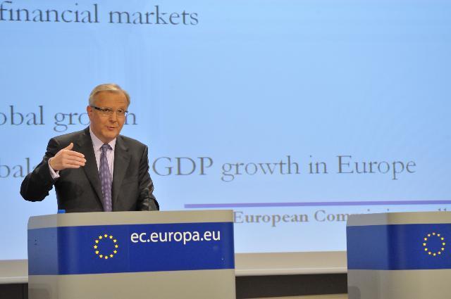 Conférence de presse d'Olli Rehn, membre de la CE, sur les prévisions économiques de printemps pour 2011-2012