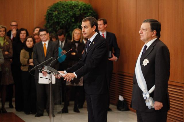 Giving of the Grand Cross of the Royal and Distinguished Spanish Order of Charles III to José Manuel Barroso, President of the EC