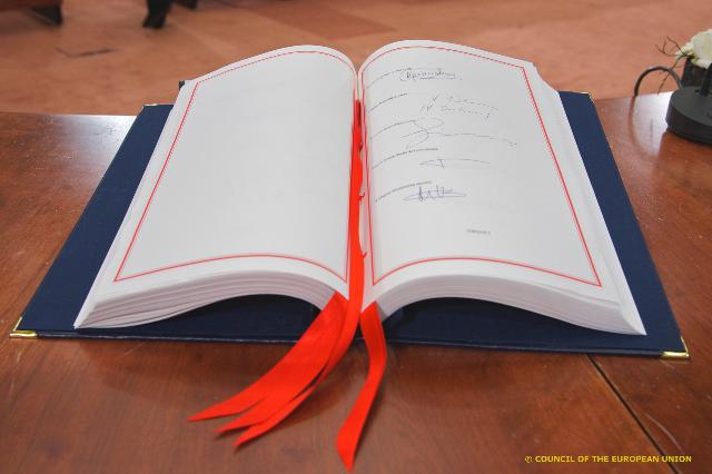 Participation of José Manuel Barroso, President of the EC, in the signature of the Treaty on Stability, Coordination and Governance in the Economic and Monetary Union